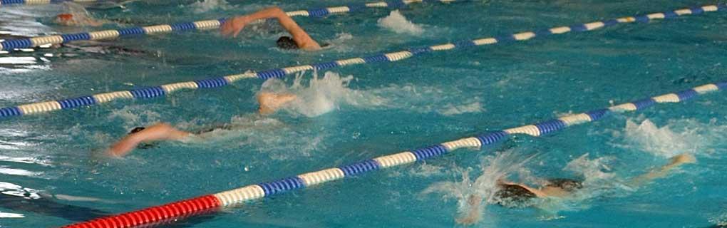 Pláva sa 200m voľným štýlom